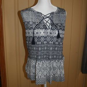 NWT LUCKY BRAND SLEEVELESS TOP WITH LACE UP FRONT
